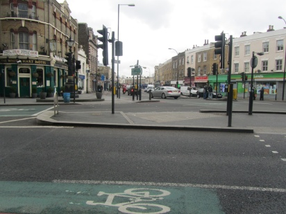 confluence of Old Kent Road and Queens Road